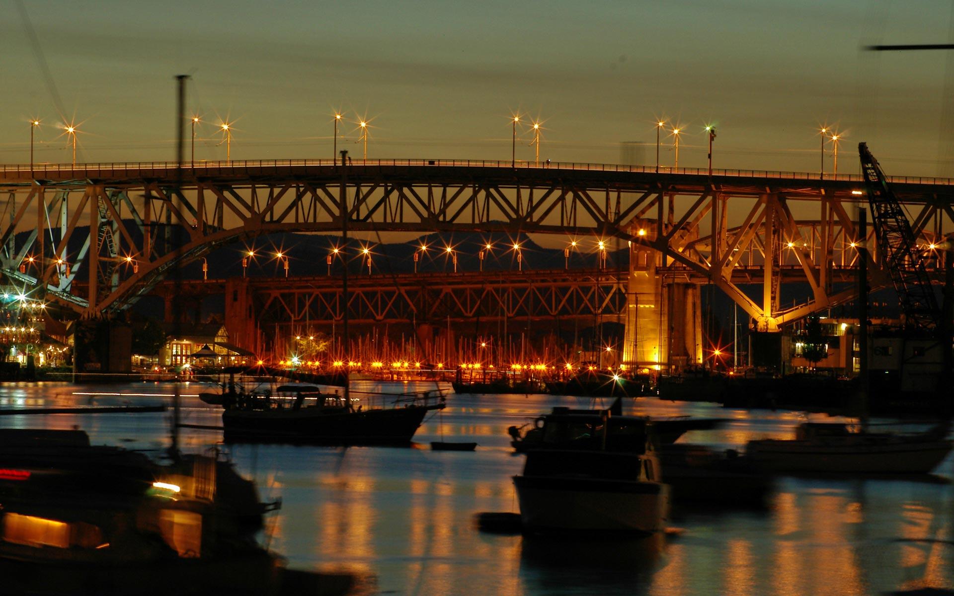 http://danutzayy.files.wordpress.com/2010/04/night-city-lights-wallpapers-pack-3-02.jpg